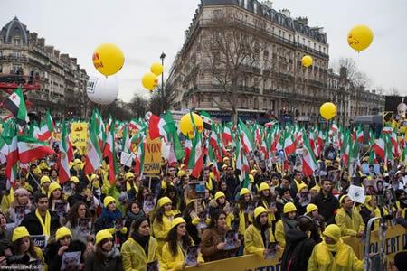 تظاهرة لا لروحاني في باريس